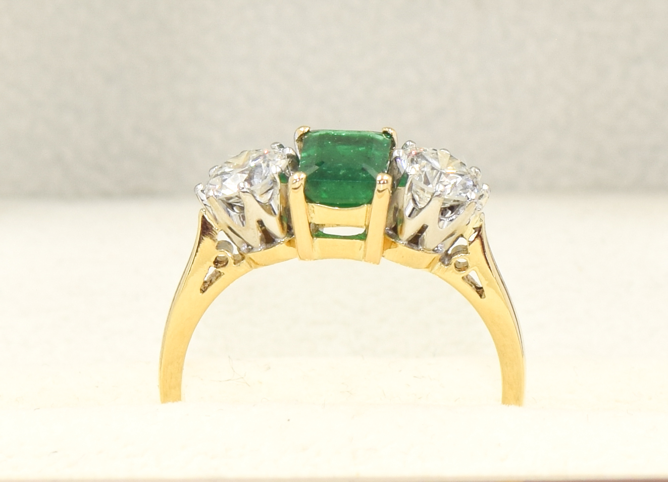 Emerald & Diamond 3 stone 18ct Gold Ring